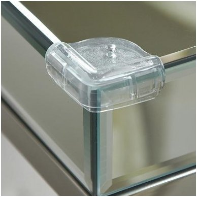 Apsaugos kampams stikliniais paviršiais, skaidrios