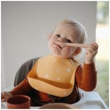 mushie-silicone-bib-baby-1